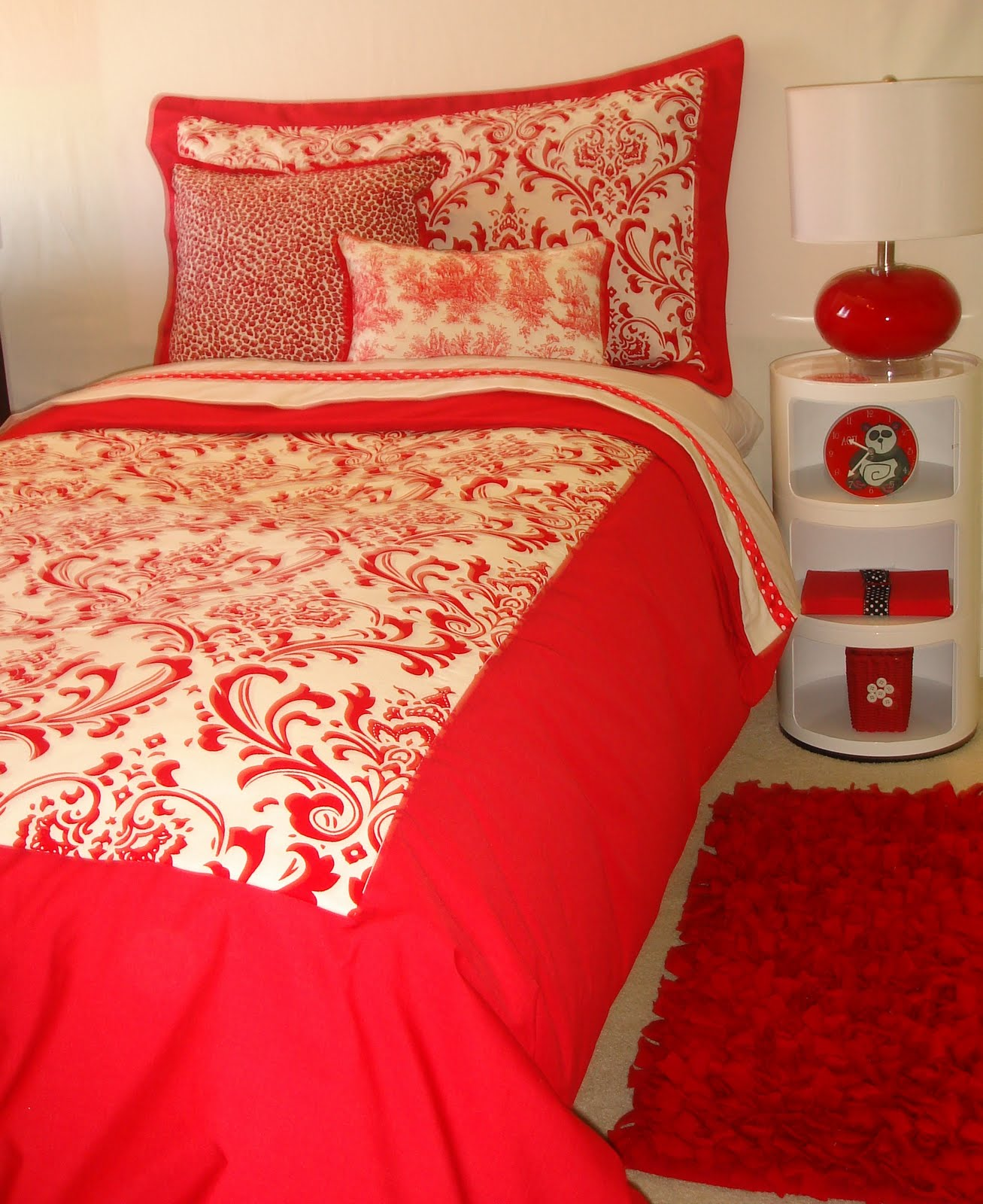 Home Design Ideas Construction: Decor 2 Ur Door: Dorm Bedding Ideas