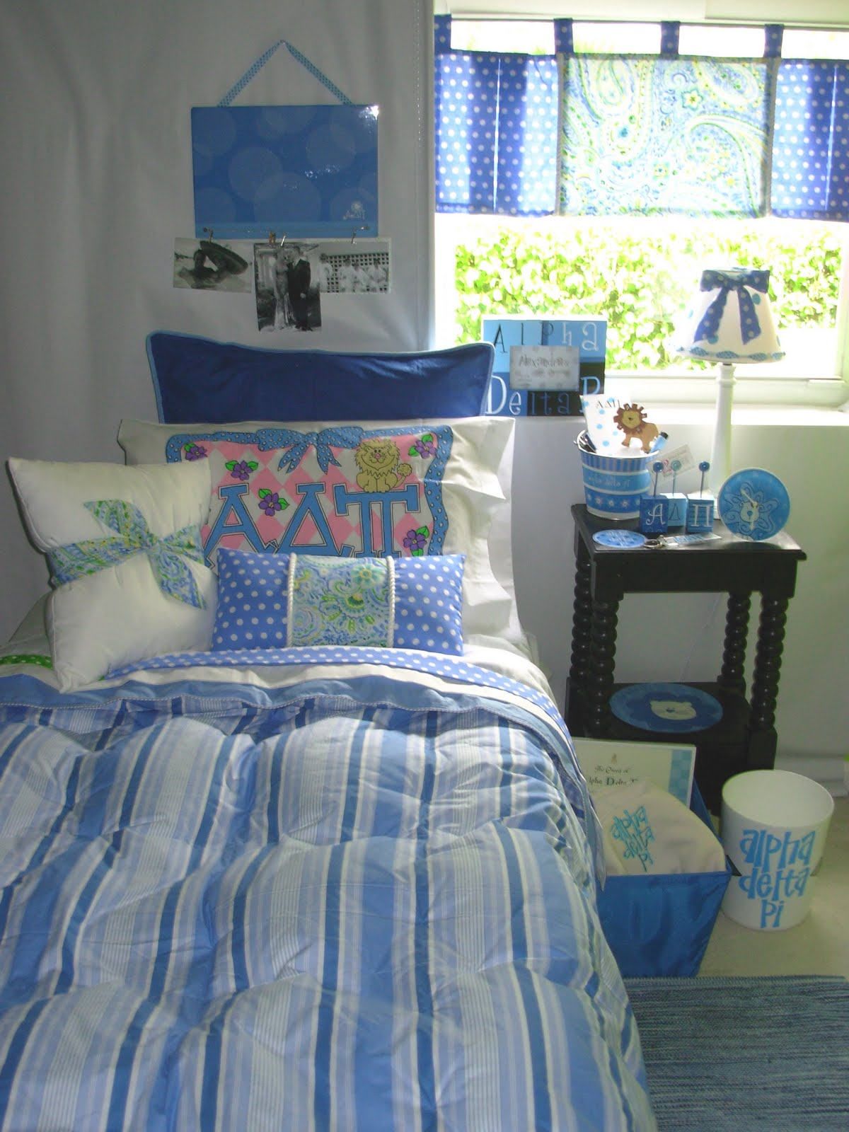 Decorating Room Ideas: Decor 2 Ur Door: Alpha Delta Pi Sorority Dorm Bedding And