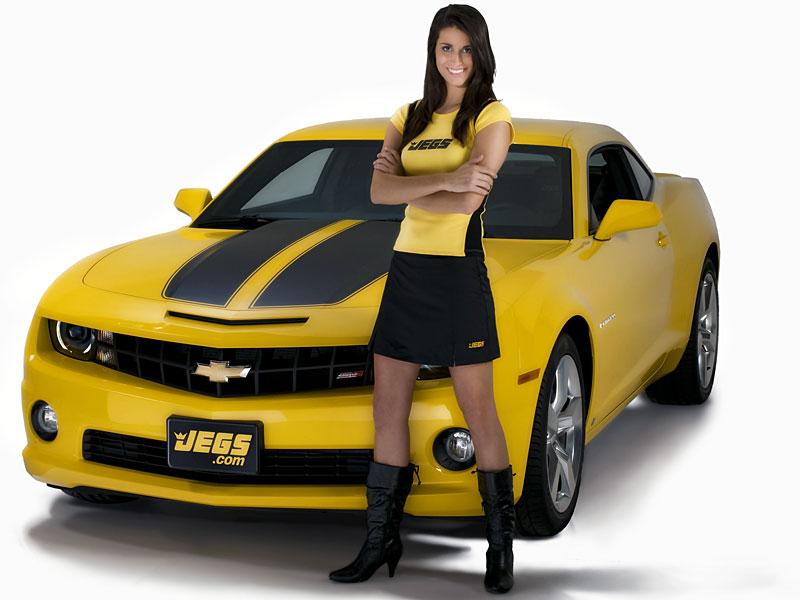 три девушки возле желтой машины картинки явных сексуальных