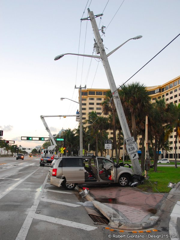 Early morning crash of a minivan on A1A