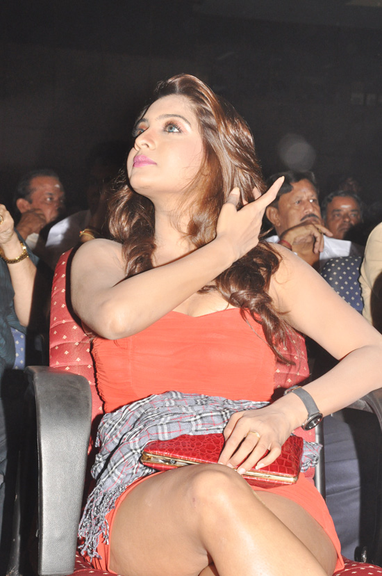 sexy Tamil thighs actress legs and