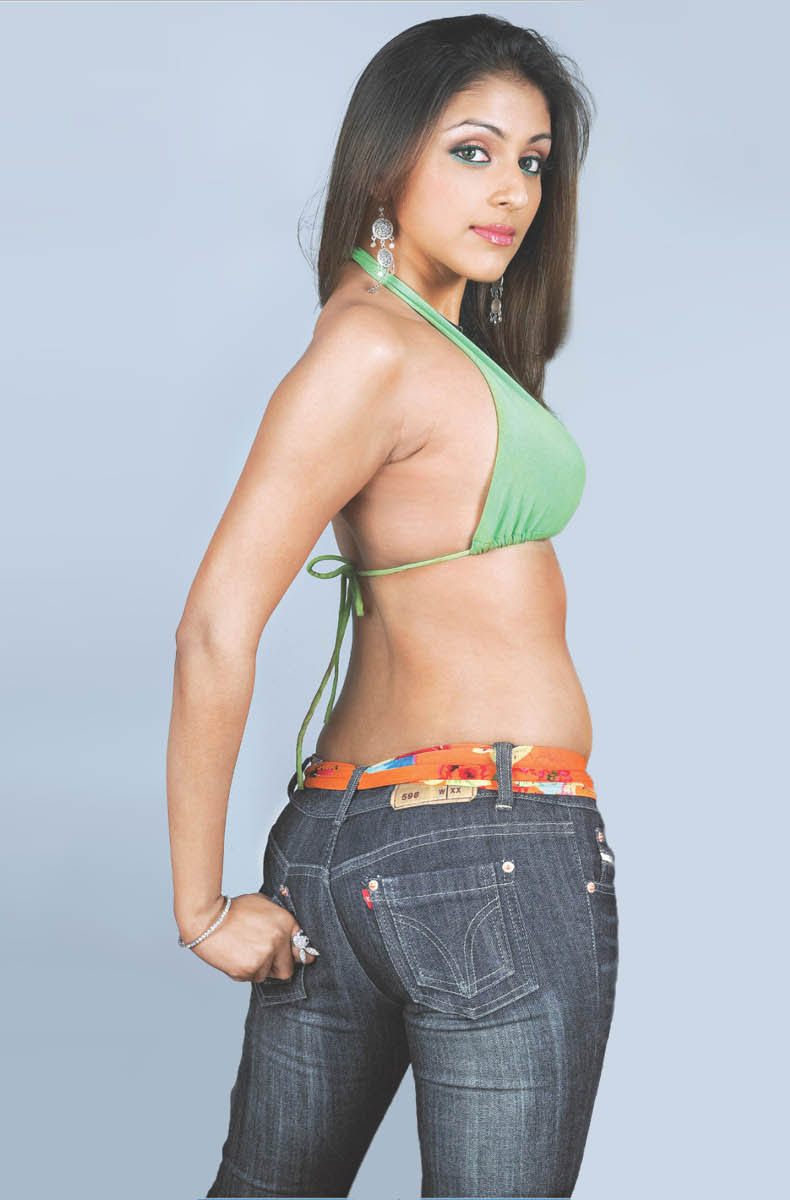 Kajal Agarwal Cute Wallpapers All Bollywood Actress In Tight Jeans Pant Hot Wallpapers