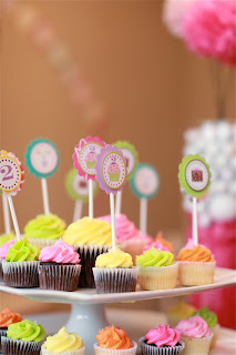 6 19 2010+005 {Blissful Customer} Lundyns Cupcake Birthday Party