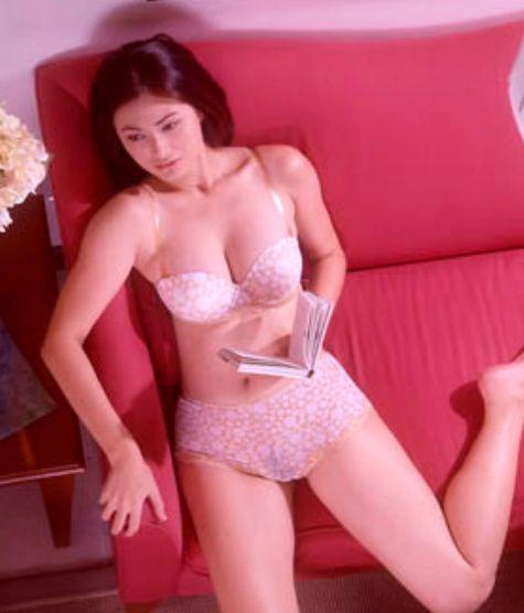 Closeup of girl sucking cock