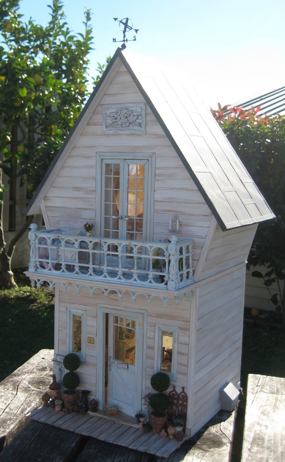 Small Two Story House Design: Liberty Biberty: Outside The Shabby House