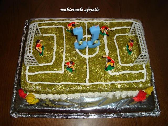 futbol sahası pastası