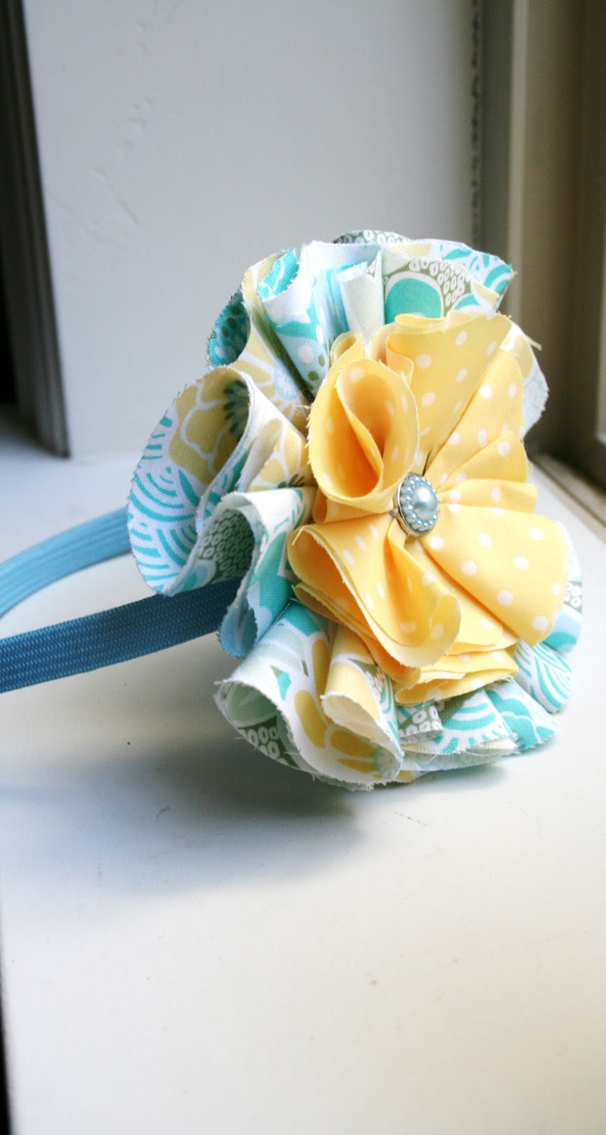 How to make fabric flowers Skip To My Lou   Fabric Hair Flowers Tutorial