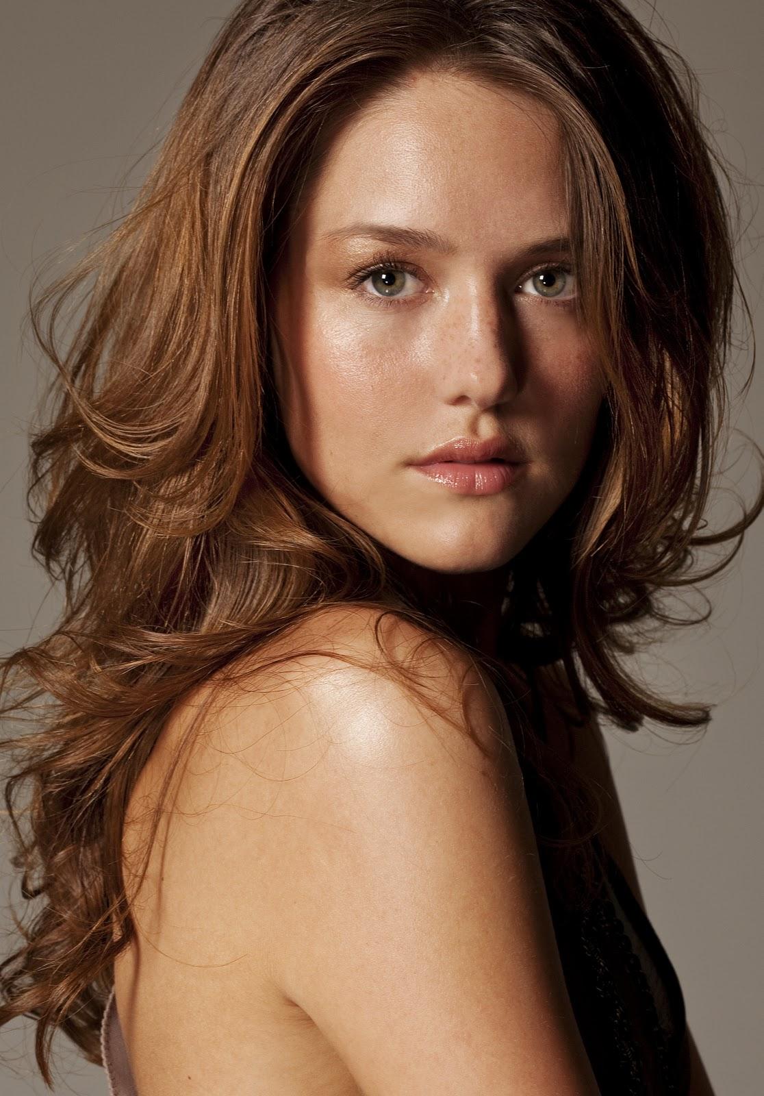by Kate Stern | Dark beauty, Feminine makeup, Girl