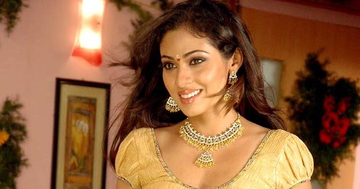Telugu Actress Jyothi In Blue Salwar: Sadha/Sada Hot Sexy Boobs Nipple Navel Press Wet Cute