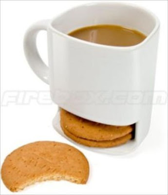 Coffee cup with cookie holder