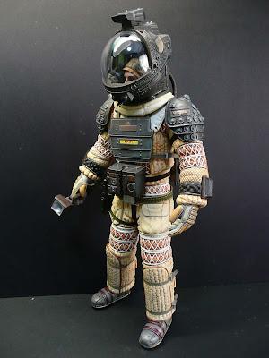 dallas alien 1979 space suit - photo #11