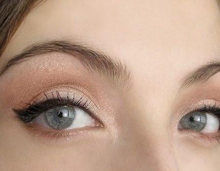 Lime green smokey eye makeup