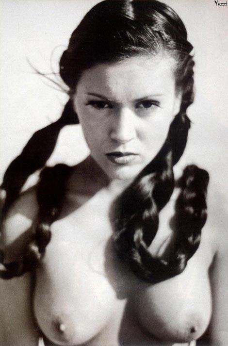 alyssa milano nudity