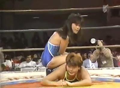 Itsuki Yamazaki, Yukari Omori - female wrestling - womens wrestling - leg lock