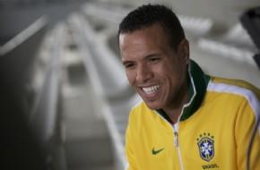 Luís Fabiano revela responsabilidade gostosa ao vestir a camisa da ... 4dbce4216d6eb