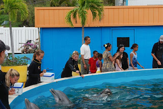 President Obama and his daugthers on vacation in O'ahu, Dec 08.  Photo courtesy of Sea Life Park