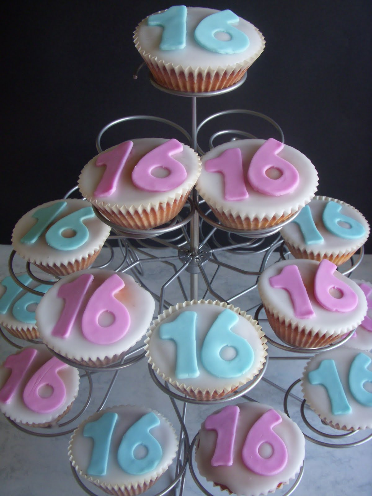 Cakes By Fay 16th Birthday Cupcakes