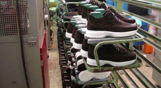 Sette arresti dei Carabinieri che hanno scoperto una fabbrica di ...