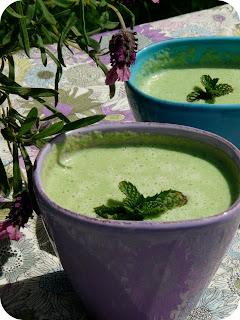 Salade verte à boire : recette végétalienne d'une soupe verte toute froide 2
