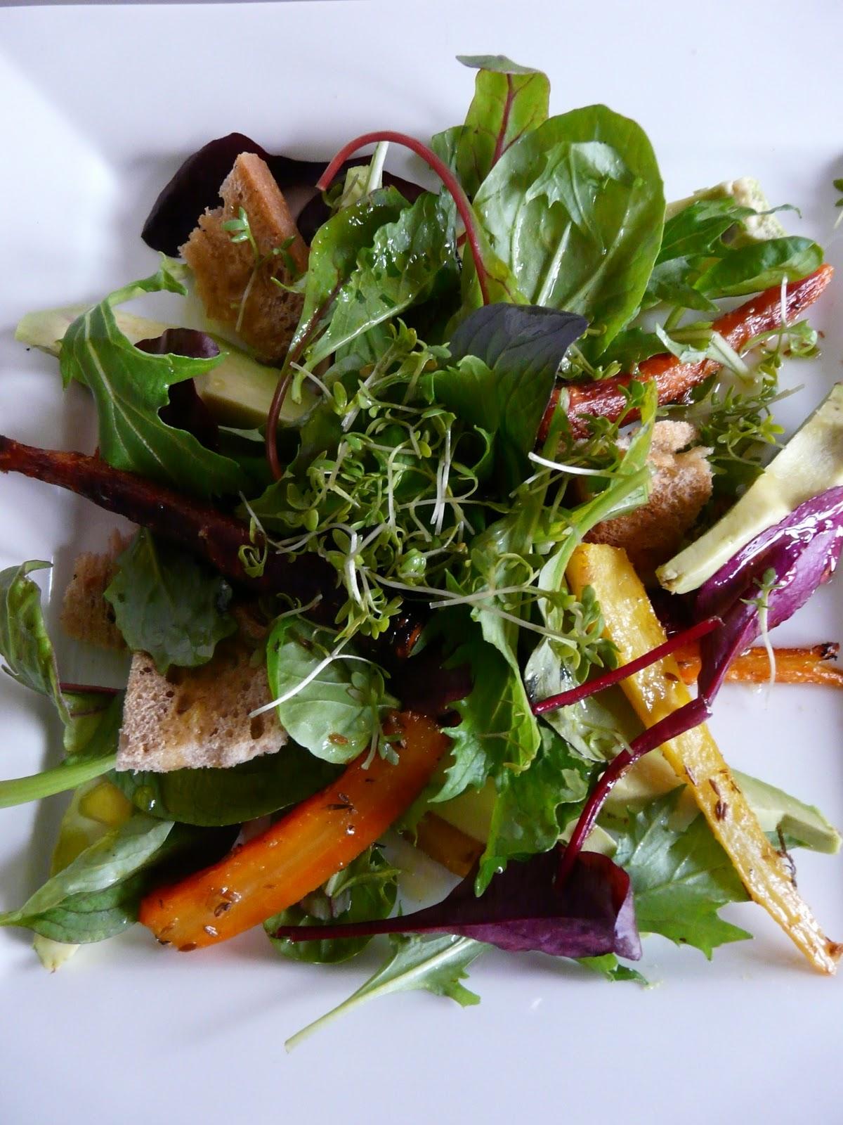 on dine chez nanou salade de carottes et avocat et sa vinaigrette d 39 agrumes. Black Bedroom Furniture Sets. Home Design Ideas