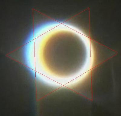 http://2.bp.blogspot.com/_2OJgHTUmUr4/S1IhY_RahvI/AAAAAAAAAzE/enV4aj9YuX8/s400/eclipse2.JPG