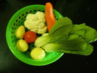 Resep diet day 2 : pakcoy bawang putih. Tahu sutra kukus. Nasi merah