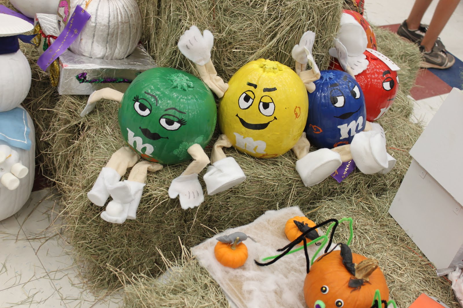 Mojoy: Creative pumpkin ideas.