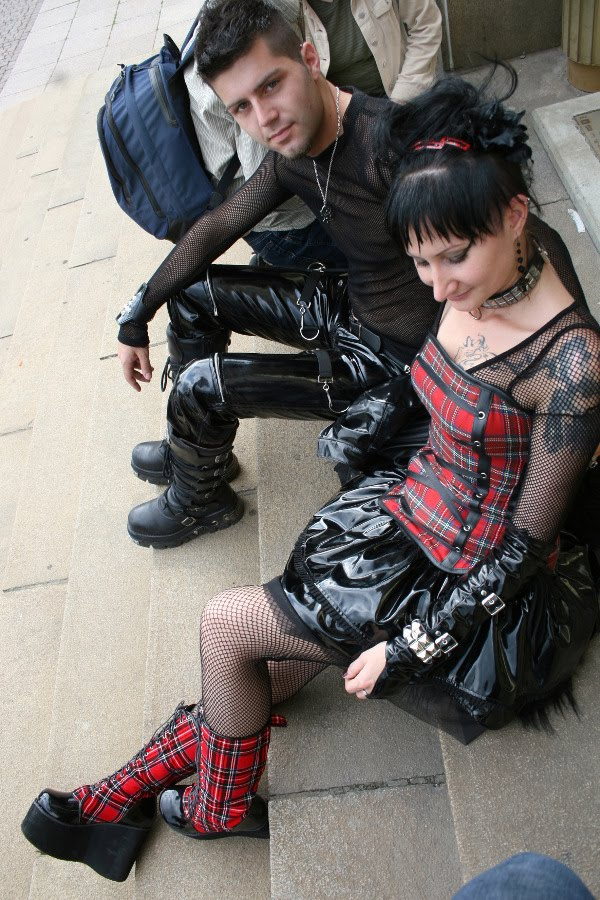 2012 End Of The World Movie: Damn Fresh Pics: The Goth Festival Of Leipzig 2010