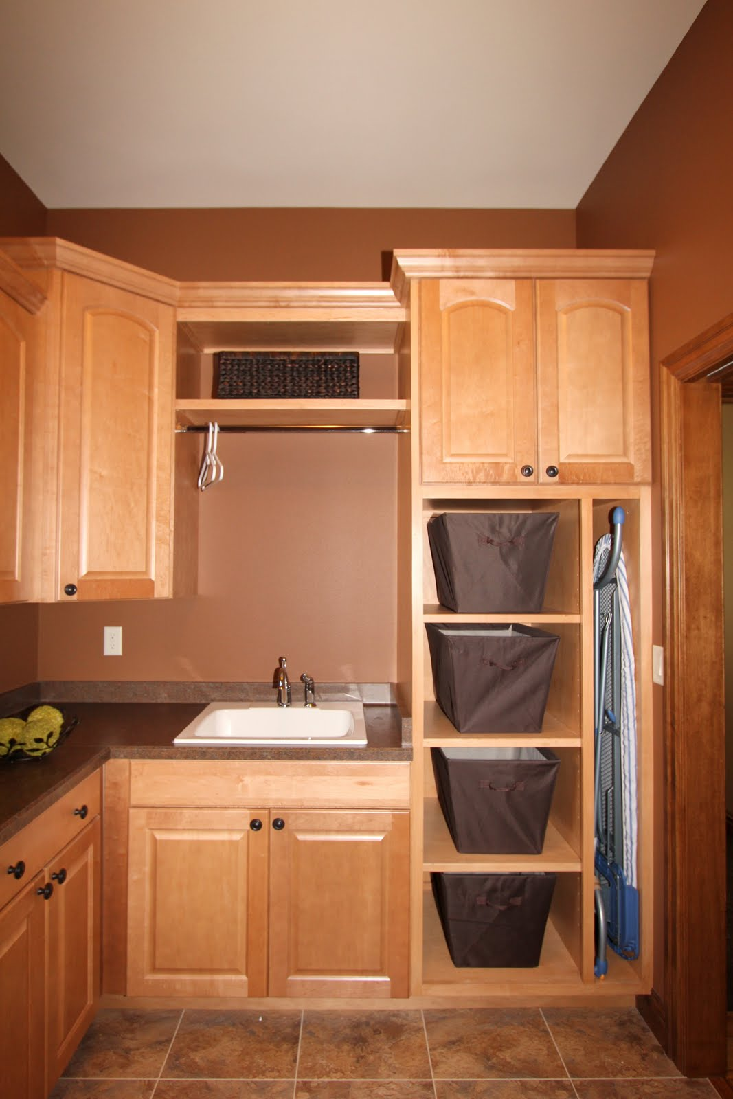 Design For Cabinet For Room: Angie Schwab Interiors: Laundry Room
