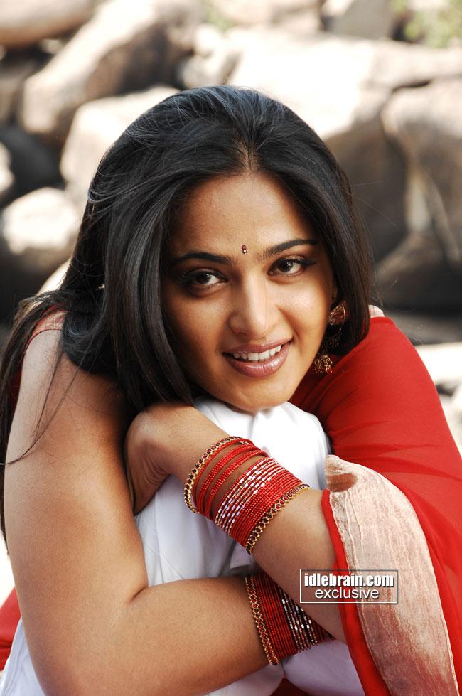 Actress New Stills Movie Latest Anushka Sexy Hot Indian Babe Figure
