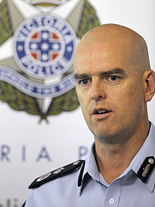 victoria police in racist email scandal newscomau - 316×421