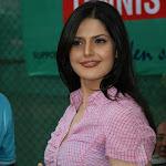 Zarine Khan promotes Tennis