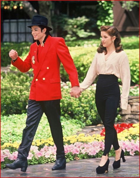 Crazy Days and Nights: Lisa Marie Presley Divorced Michael ...