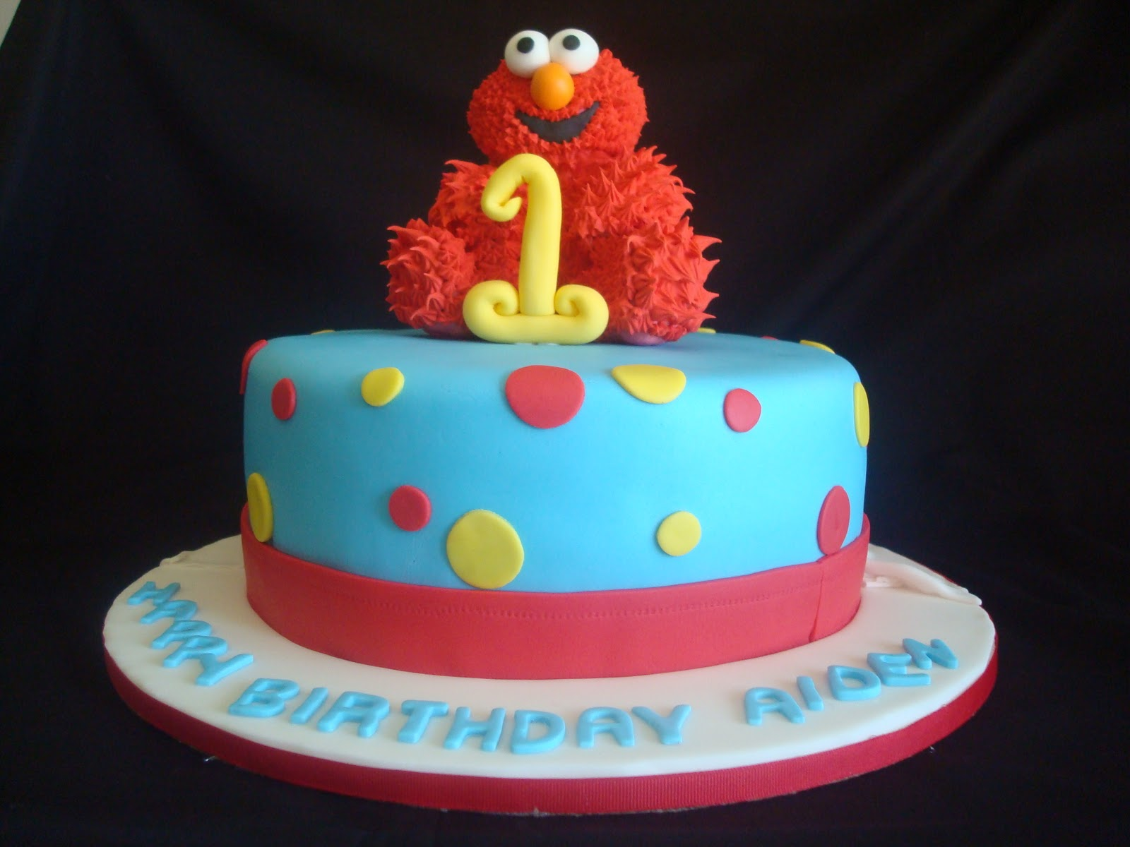 1st Birthday Party Elmo Cake