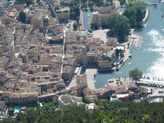 Blick auf Riva von der Via dell' Amicizia