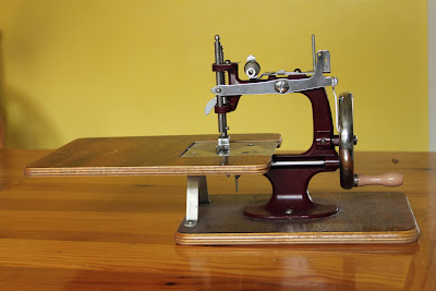 Mauls Being Creative: A Sweat of Sewing Machines :)