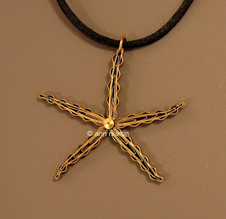 quilled starfish necklace