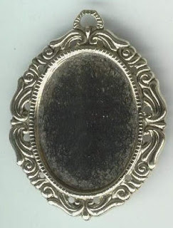 Photo frame pendant