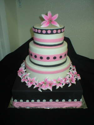 Princess S Blog From Gateaux Wedding Cakes This Lovely Cake Has A