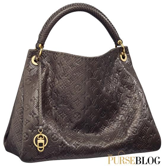 ed580e4066c buy gucci handbags online cheap fake gucci messenger