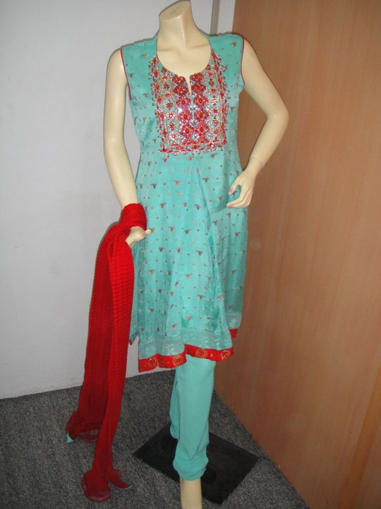 New Dress Designing With Sea Green And Red Color Combination