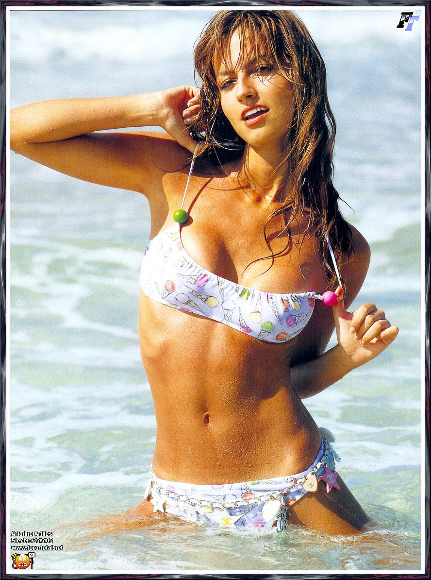 Hot Mirchi Actress: Ariadne Artiles Hot
