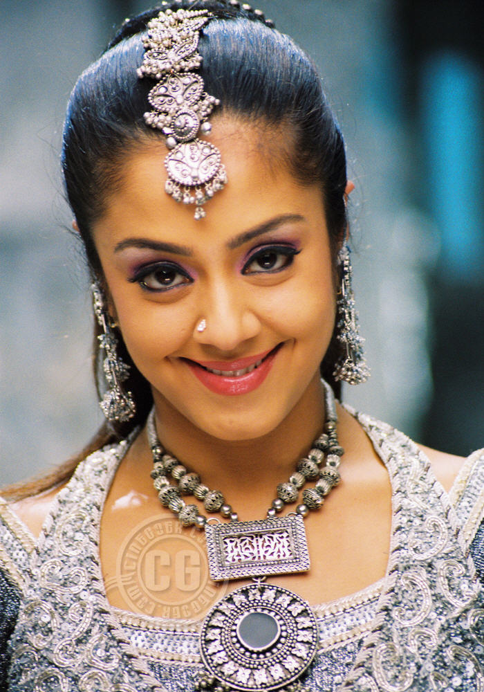 Jyothika Actress Gallery, Jyothika Tamil Actress Stills ...