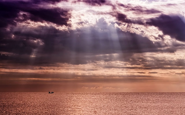 foto pancaran sunray / sinar matahari