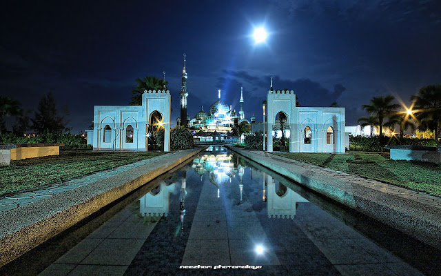 Masjid Kristal and the moon