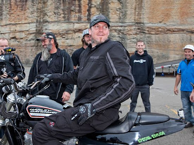 Go Ride 365: SETH ENSLOW BREAKS WOLRLD RECORD FOR LONGEST