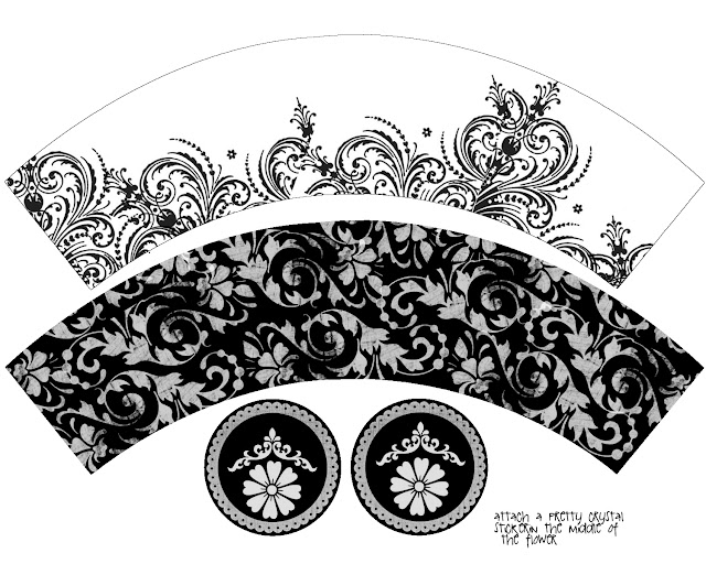 Sweet 16 Provencal in Black and White Free Printable Cute Cupcake Wrappers.