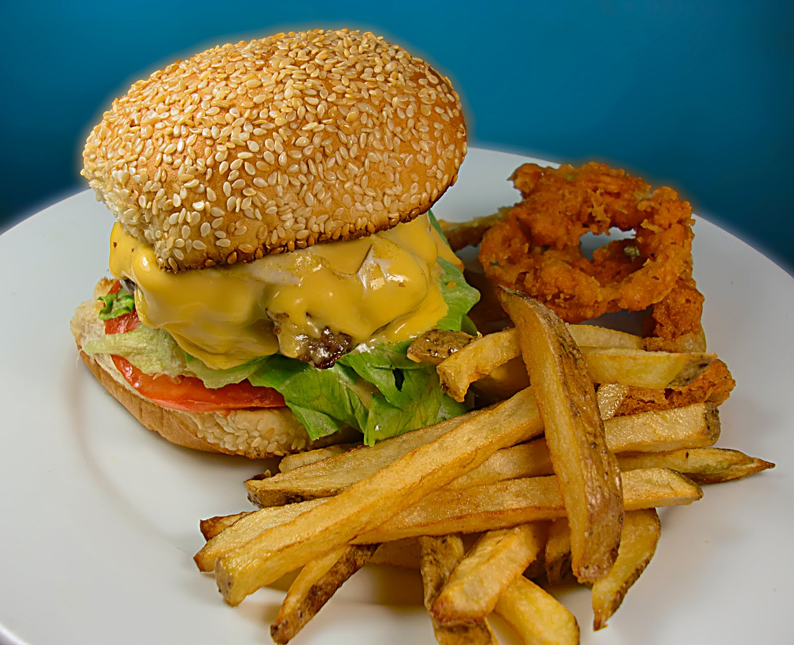 ChezWhat?: THIS is an Angus burger plus a winner of 10 pounds of grass fed beef
