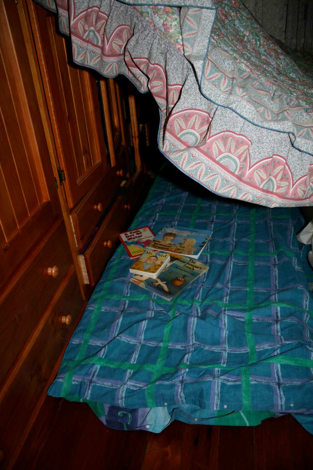 how to make a blanket cubby house