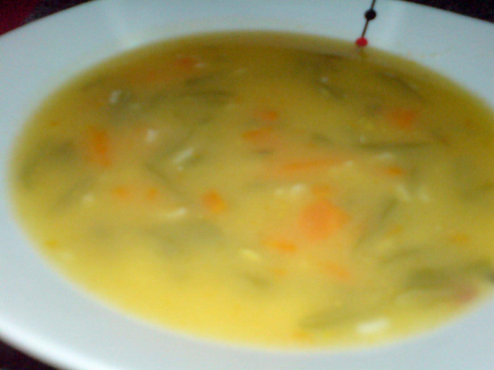 As receitas da Sónia: Sopa de feijão verde com segurelha